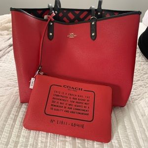 NWT Coach Tote Bag with Pouch